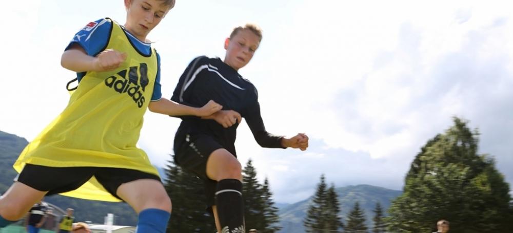 Der Fußball in den unterschiedlichen Varianten steht im Fokus der Freizeiten.