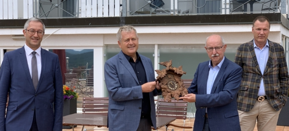 Bürgermeister Andreas Graf, JUFA Vorstand Gerhard Wendl, SBFV-Präsident Thomas Schmidt und HTG-Geschäftsführer Thorsten Rudolph
