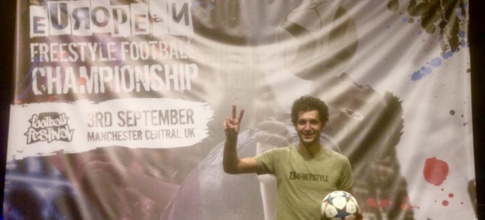 Fußball-Freestyler Patrick Bäurer nahm an der Freestyle-Europameisterschaft in Manchester teil.
