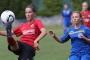 Thea Löffler (li.) vom SC Freiburg wurde für den U19-Länderpokal nominiert