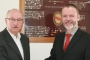 SBFV-Präsident Thomas Schmidt mit Dr. Reinhold Brandt (rechts)