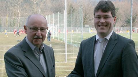 SBFV-Präsident Thomas Schmidt begrüßt Dr. Christian Dusch