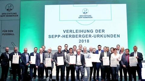 Verleihung der Sepp-Herberger-Urkunden 2018
